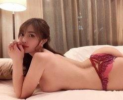 """""""グラビア女王""""森咲智美「眠れなくなる生乳と美尻」過激的なベッドタイム【画像2枚】の画像"""