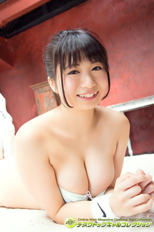 西堀智美「ぽよぽよ柔肌」の豊満バストに癒やされたい!【写真5枚】の画像004
