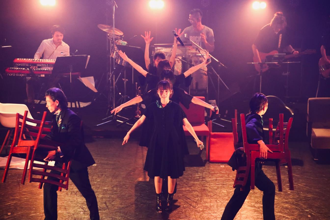 nuance「2バンドセット」でワンマンライブを開催【写真7枚】の画像001