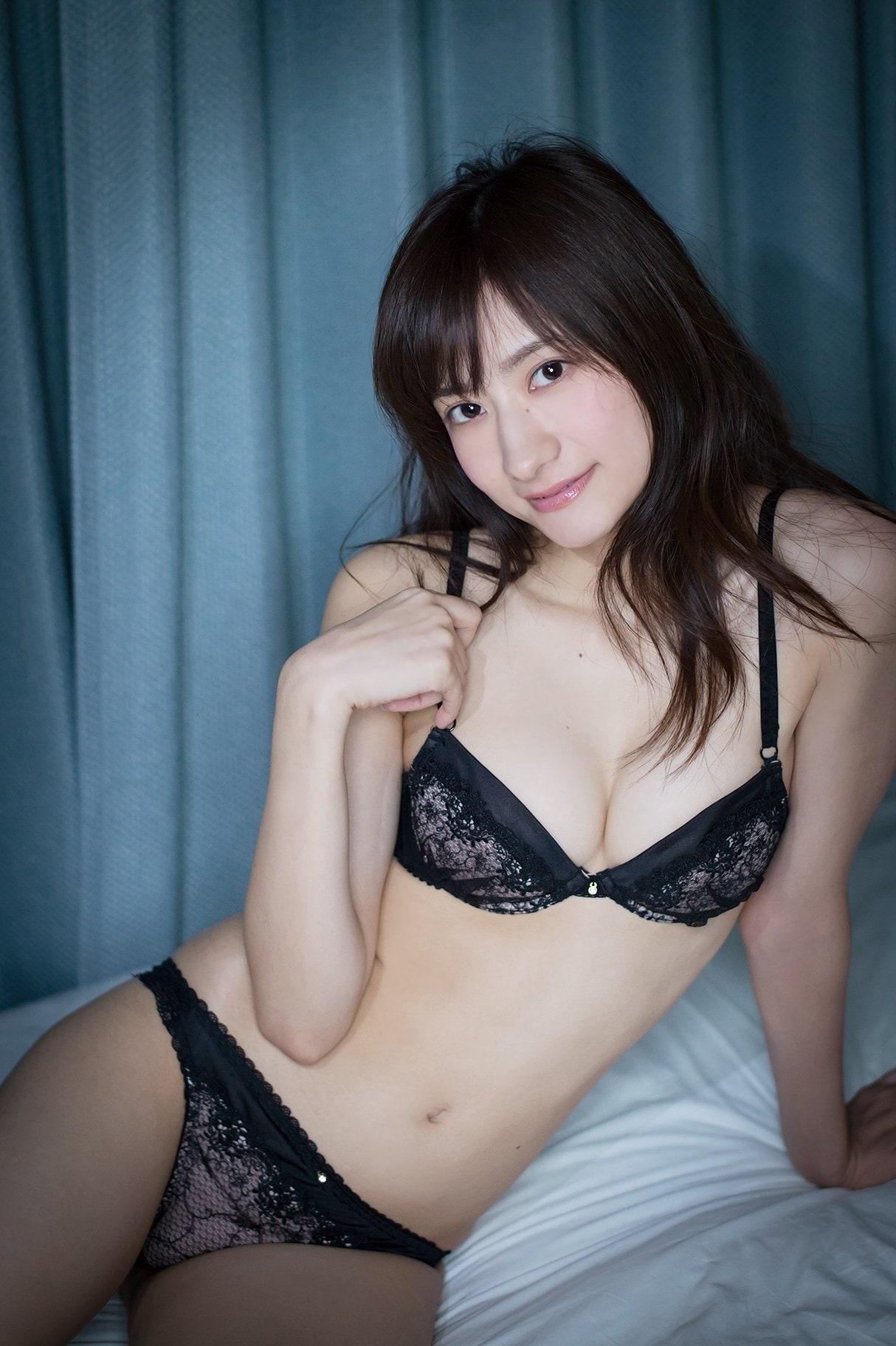 外崎梨香「スレンダー巨乳」完璧ボディがびしょ濡れ!【写真15枚】の画像013