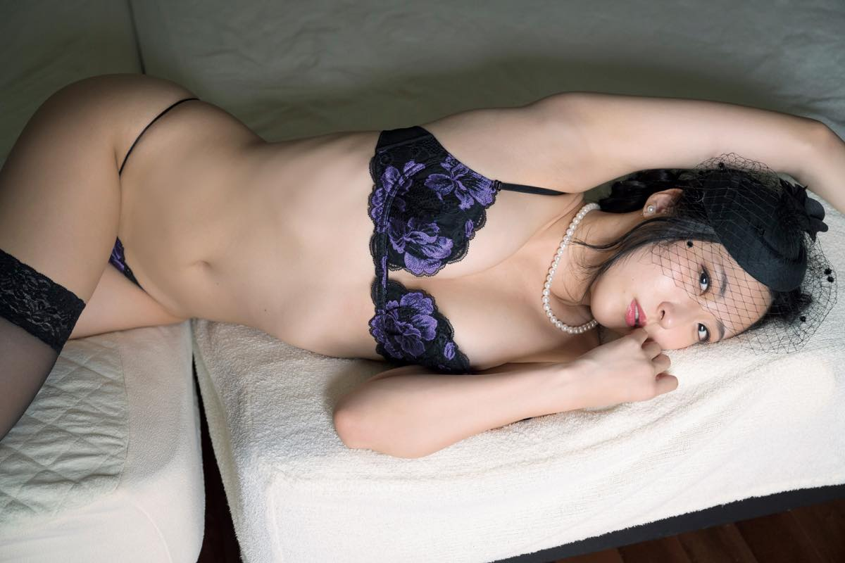 阿南萌花「手ブラ+ハイレグ」美女優がセクシー路線で猛発進!【写真10枚】の画像007