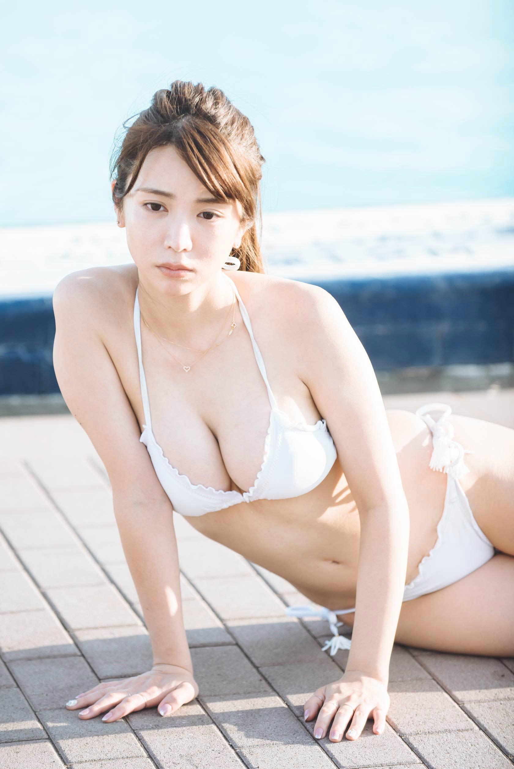 仲村美海、期待の大型新人が見せたフレッシュな白肌!【写真24枚】の画像022