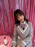 元AKB48島崎遥香「投票してくれますか?」学生服姿で美脚を披露にファン興奮!【写真3枚】の画像001
