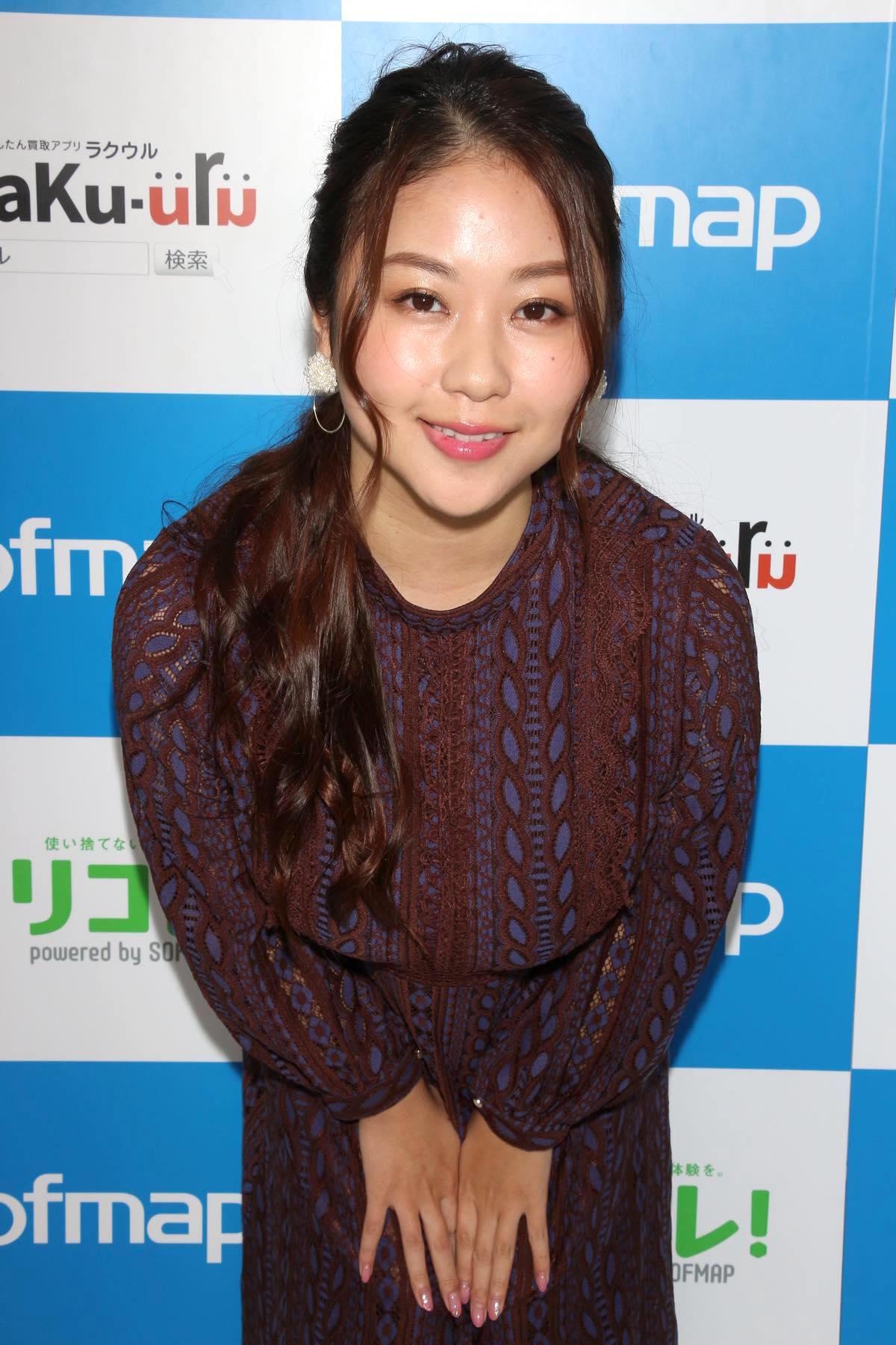 西田麻衣「きわどい水着が多かった」44枚目のDVDでも攻めまくり!【写真37枚】の画像021