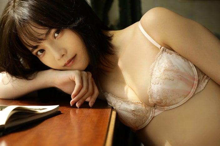 新谷姫加「輝く美肌に目がクギズケ!」『グラビアザテレビジョン』アザーカットを大公開【画像5枚】の画像