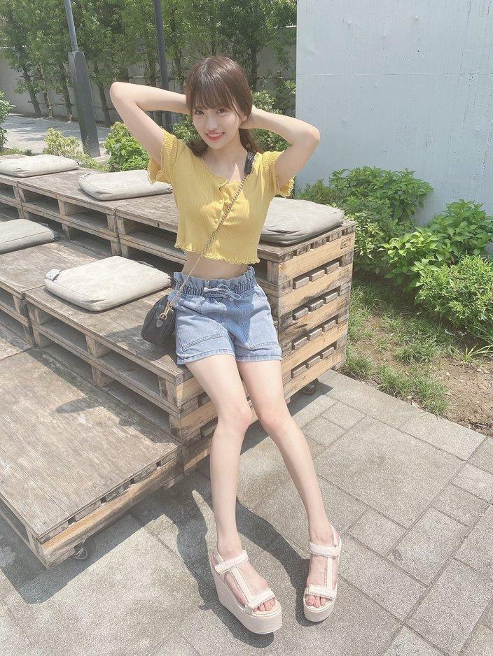 SKE48研究生森平莉子「可愛いへそチラ」スリムなボディにファン歓喜【写真2枚】の画像