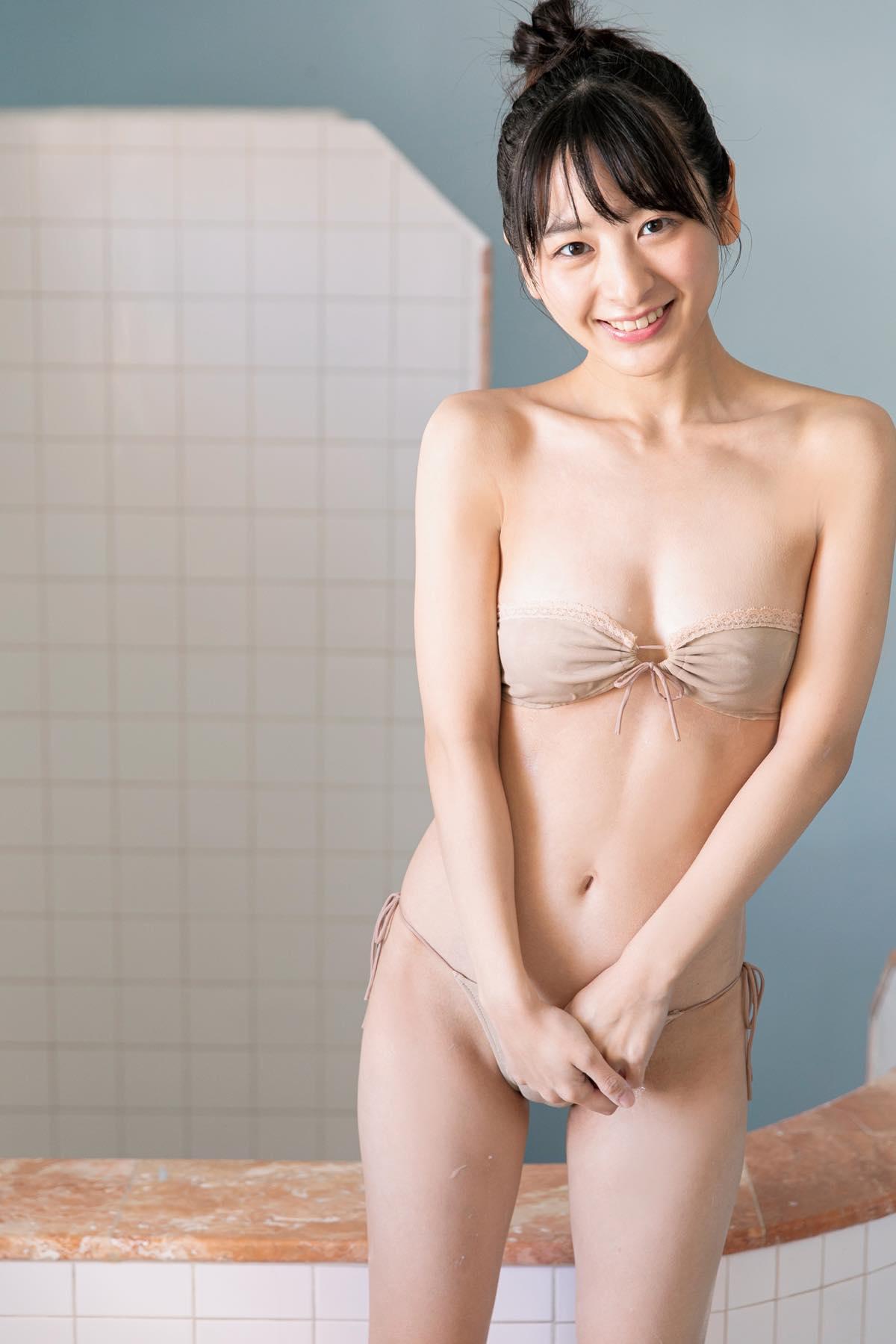 牧野澪菜「グラビア快進撃中!」144cmのグラマー美女が躍動の画像001