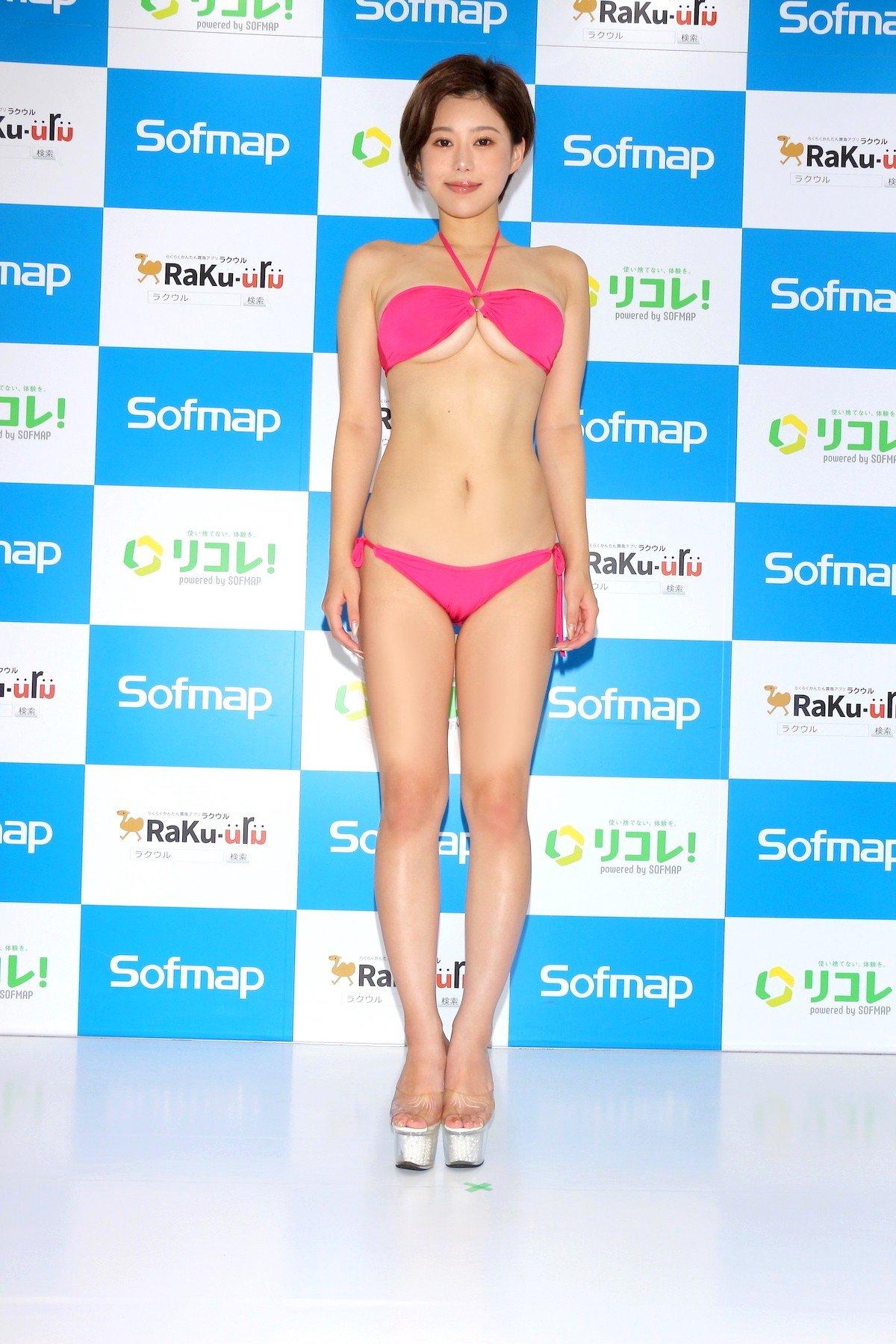 山本ゆう「裸エプロンってワードだけで」本当に何も下に着てない【画像58枚】の画像002
