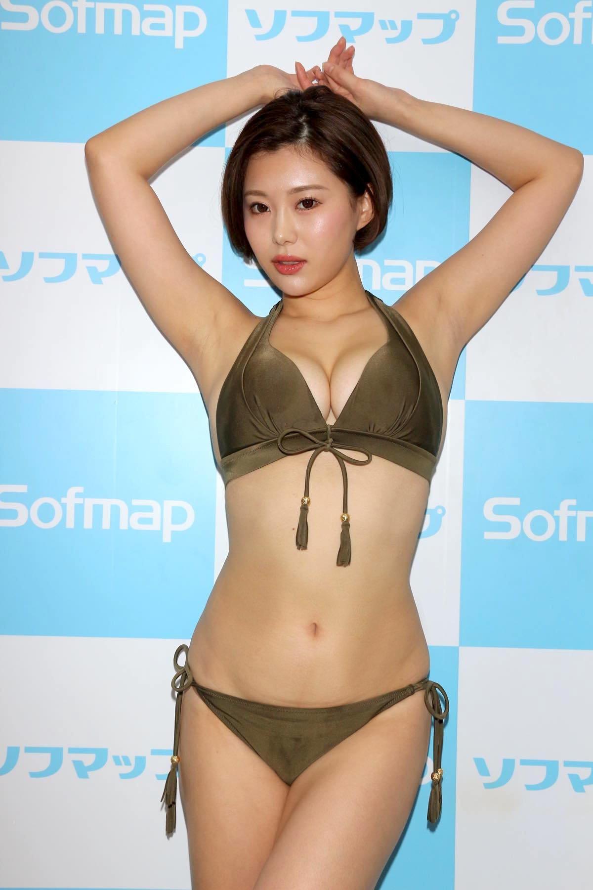 山本ゆうのグラビア水着ビキニ画像13