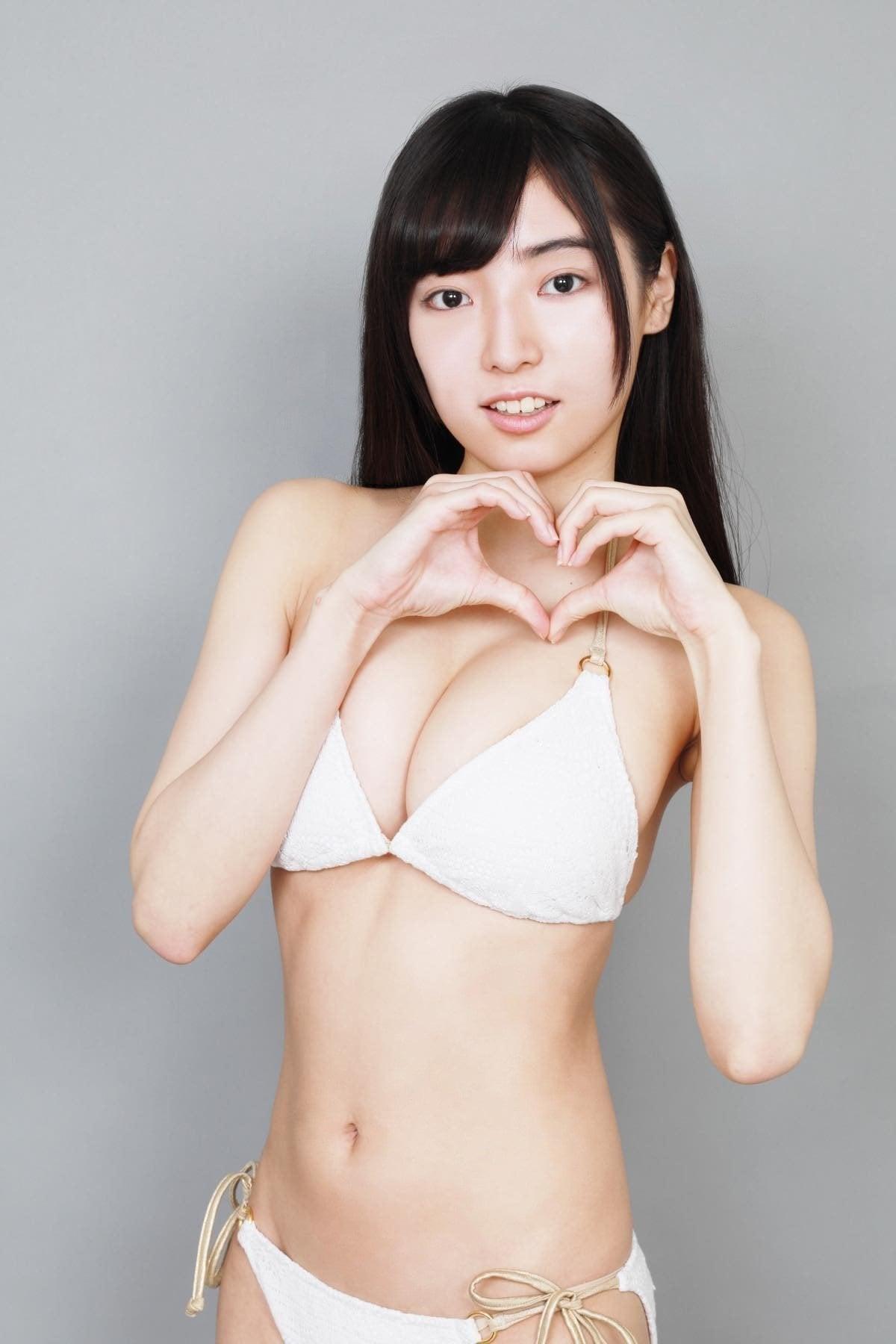 桜田愛音のグラビア水着ビキニ画像0038