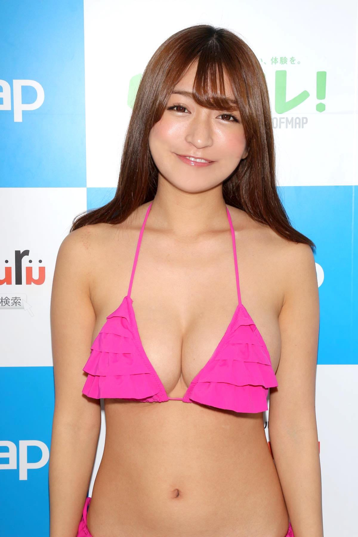 ☆HOSHINO「シャツがどんどん透けちゃう」エプロンはほぼ裸!【写真35枚】の画像006