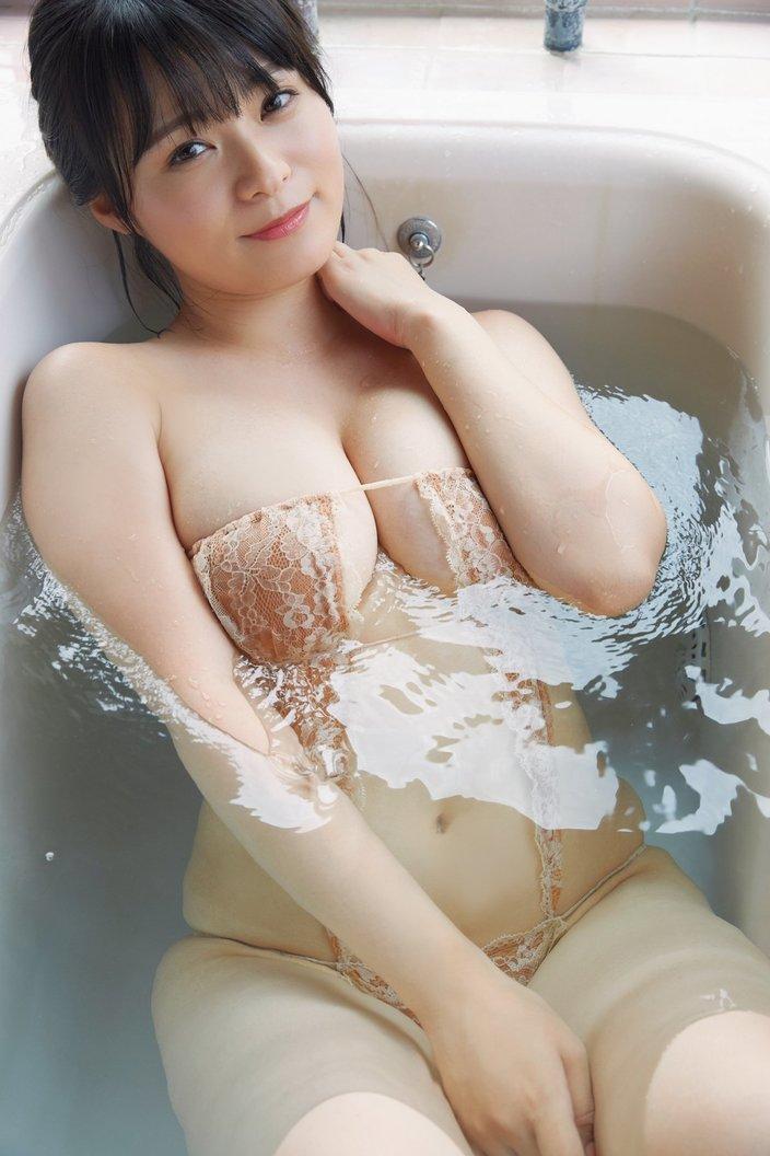 星名美津紀「Hカップがお風呂でびしょびしょ!」ぷにぷにボディで入浴中【画像12枚】の画像