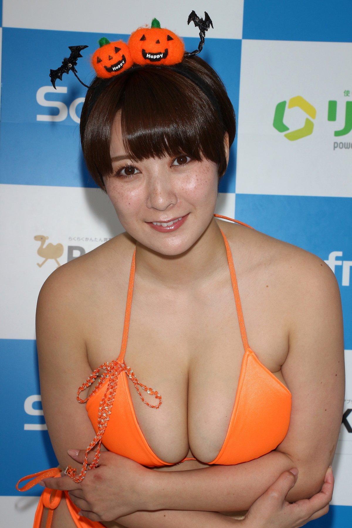 紺野栞「SM嬢に初挑戦」ムチを覚えて感動しました【画像49枚】の画像033