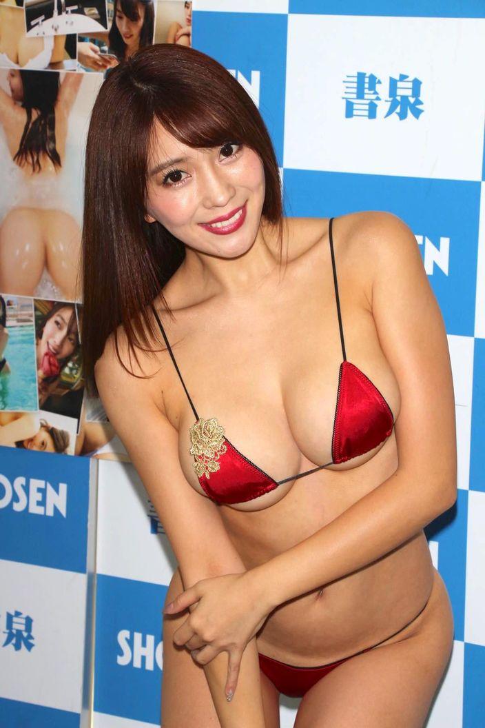 2位 森咲智美「子供に見せないで!」セクシーすぎて怒られちゃった【写真30枚】
