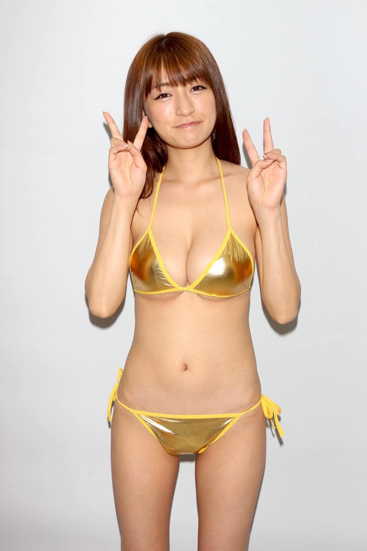 ☆HOSHINO「色気がダダ漏れ」衝撃的セクシーさで攻める!【写真25枚】の画像014