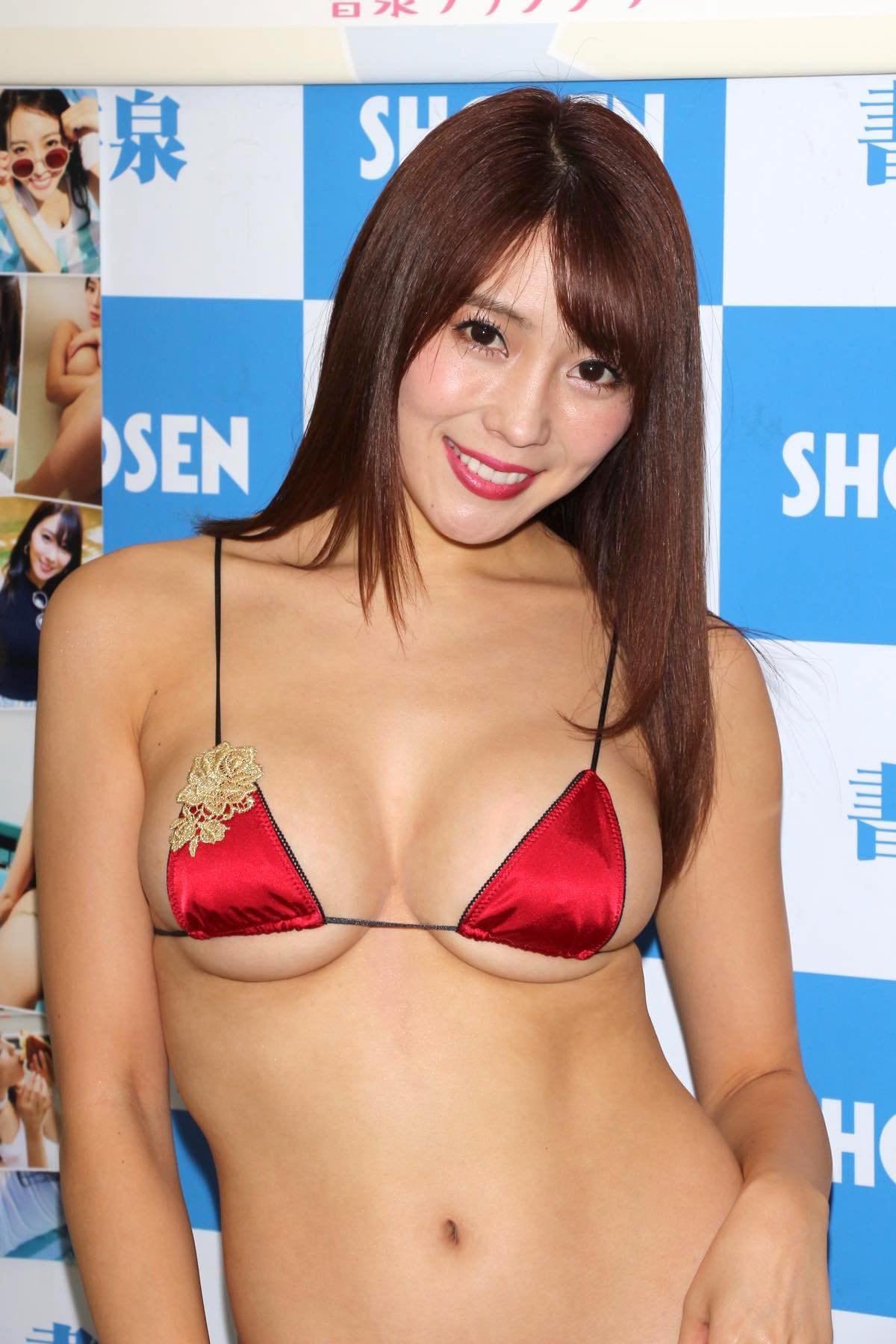 森咲智美の水着画像10