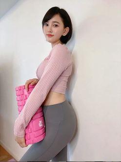 元HKT48兒玉遥、美尻がまぶしい「S字ライン」を披露の画像