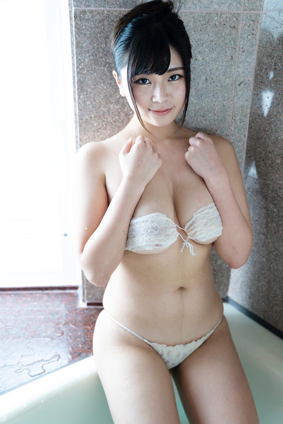 芦屋芽依のグラビア水着ビキニ画像012