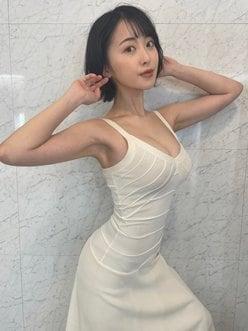 """""""Gカップ女優""""忍野さら「二次元フィギュアボディ」純白ドレス姿に惚れ惚れしちゃう【画像2枚】の画像"""