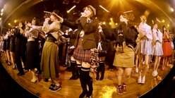 AKB48グループ初、劇場公演のVRライブ配信を「LiVR」で2月3日に提供開始【写真14枚】の画像