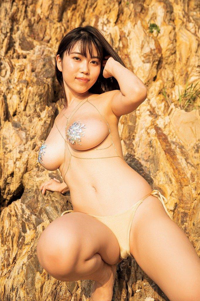 伊織いおのグラビア水着ビキニ画像9