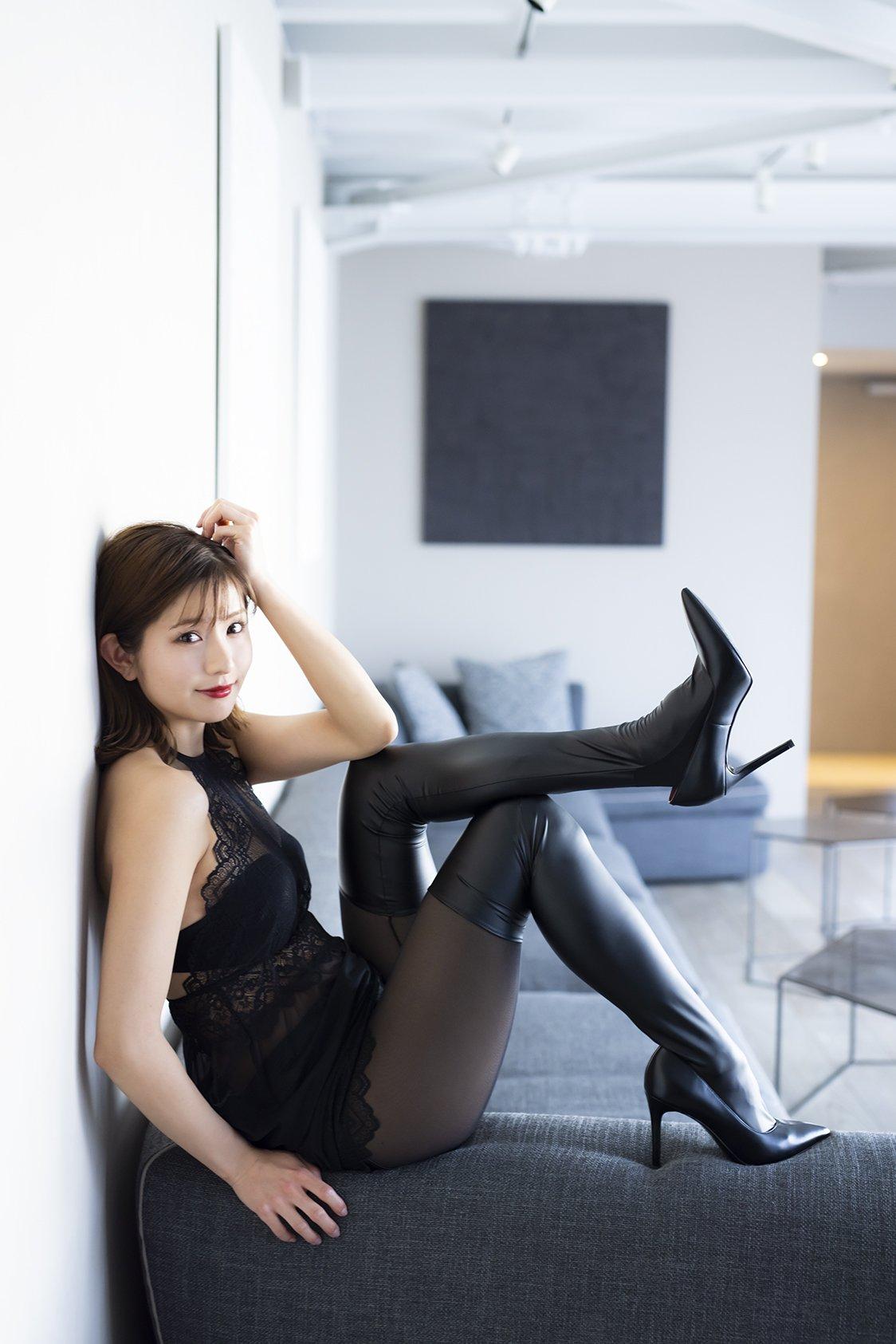 元NMB48谷川愛梨が人生初の下着姿に挑戦した1st写真集を発売!【画像10枚】の画像003