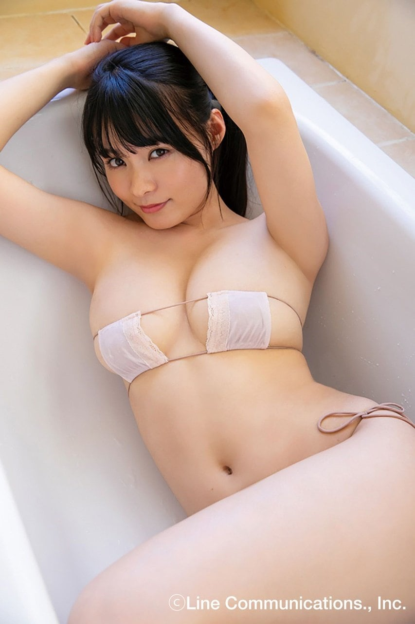 【動画付き】グラビアアイドル・星名美津紀が自身のDVD『色恋』を観ながらテレまくる!の画像002