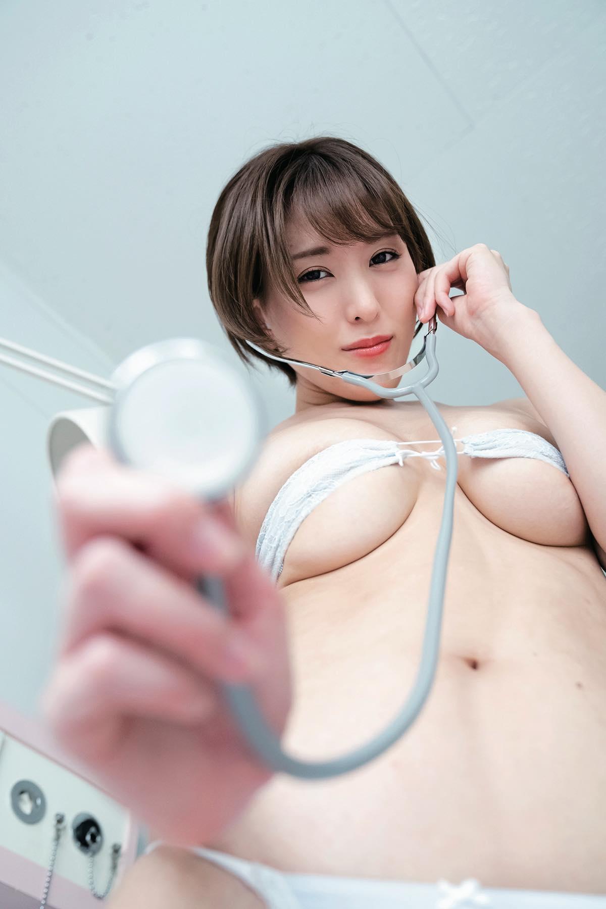 朝比奈祐未「えっちな女医さん」がローションまみれでぬるぬるに!【写真9枚】の画像004