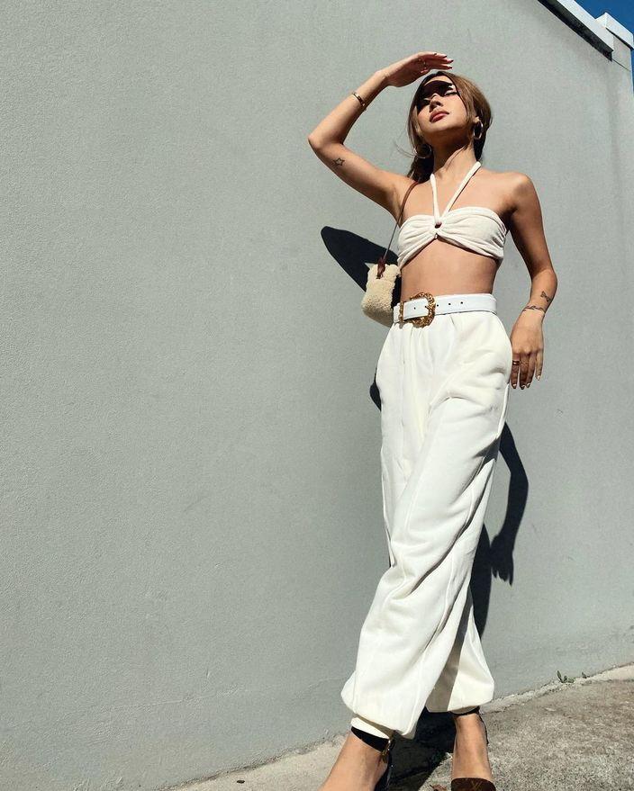 """リリー・メイマック「オーストラリアの""""ちっぱい""""モデル」目立ちすぎるファッションで街を…【画像2枚】の画像"""