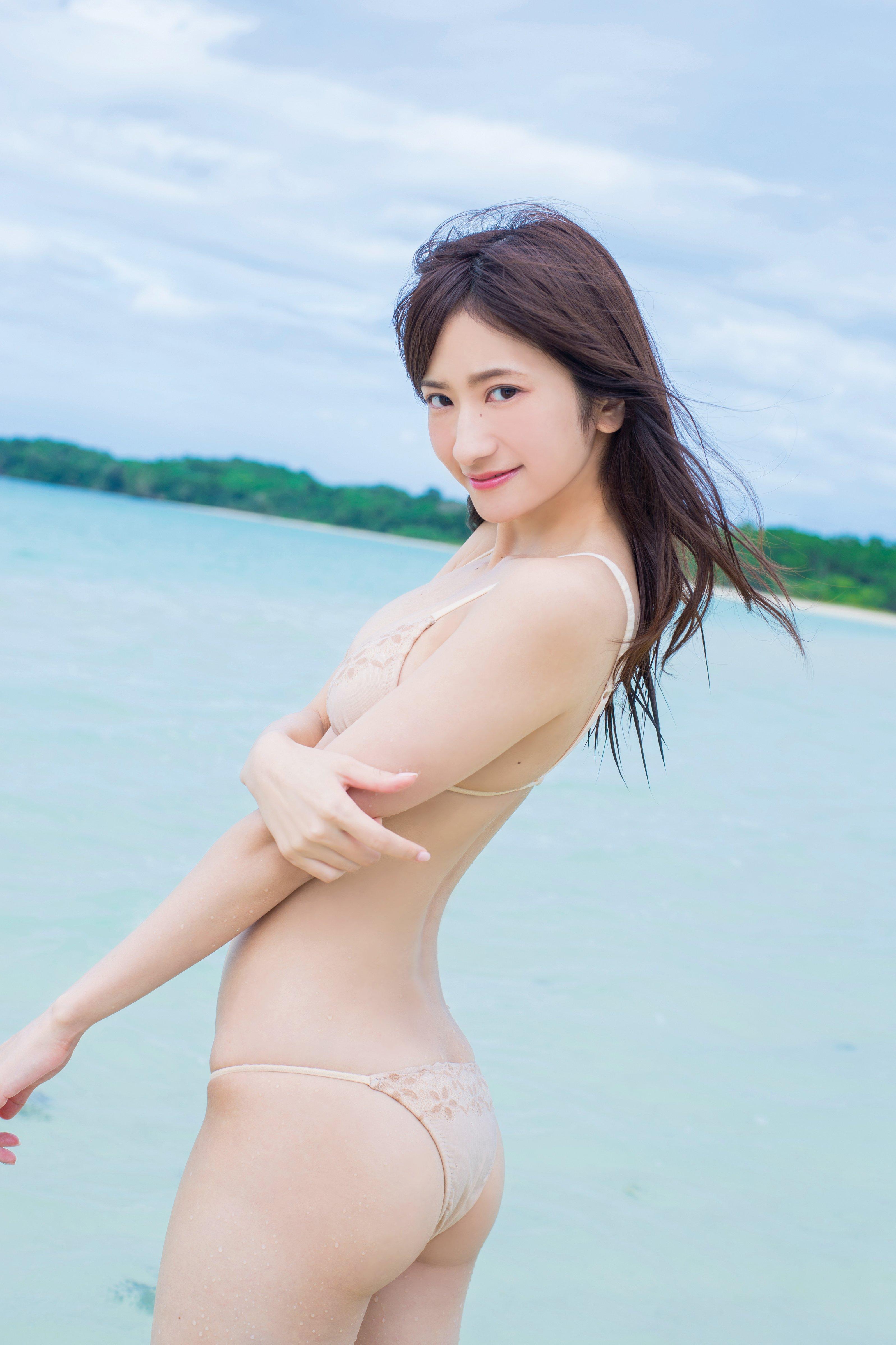 外崎梨香「スレンダー巨乳」完璧ボディがびしょ濡れ!【写真15枚】の画像012