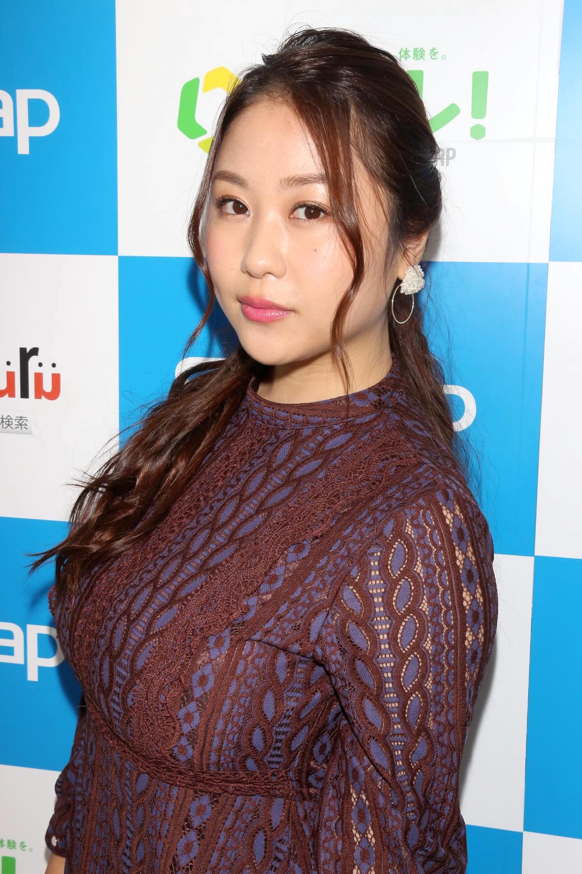 西田麻衣「きわどい水着が多かった」44枚目のDVDでも攻めまくり!【写真37枚】の画像020