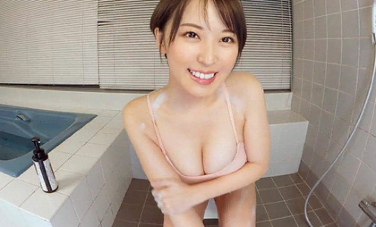"""Gカップ美女・忍野さら「家では""""裸族""""ですね!保湿クリームが塗りやすい(笑)」【写真37枚】の画像012"""