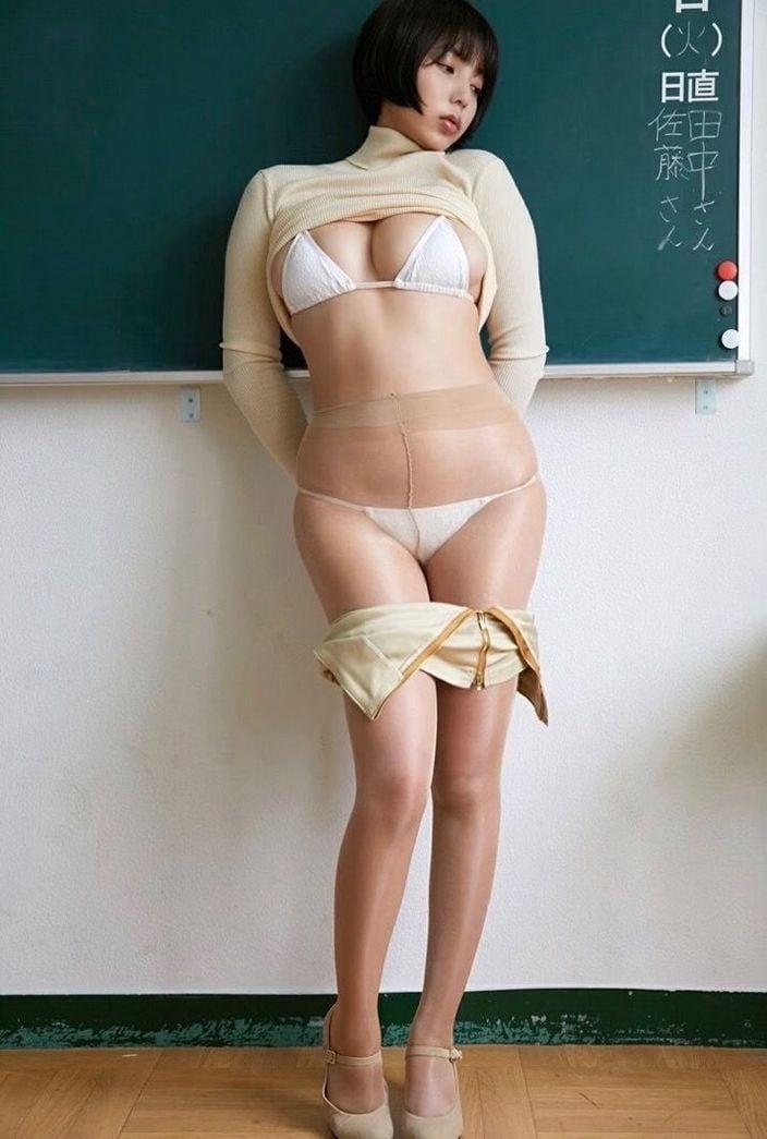 4位 安位薫「Hカップ女教師が脱いじゃった」えっちなことを考えようぜ!
