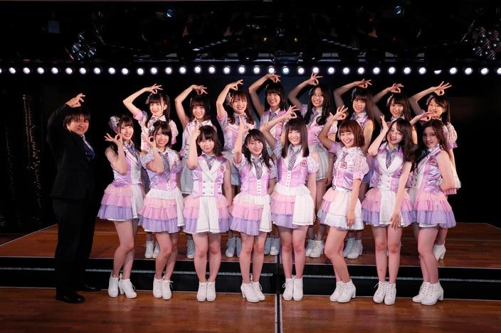 AKB48チーム8公演が開幕、「雨の日」しか歌わない楽曲も!【写真27枚】の画像