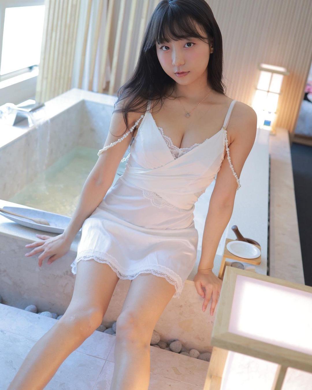 ピョ・ウンジ「シュミーズ姿にドキっ」ホテルとのタイアップでセクシーにお部屋紹介【画像6枚】の画像004