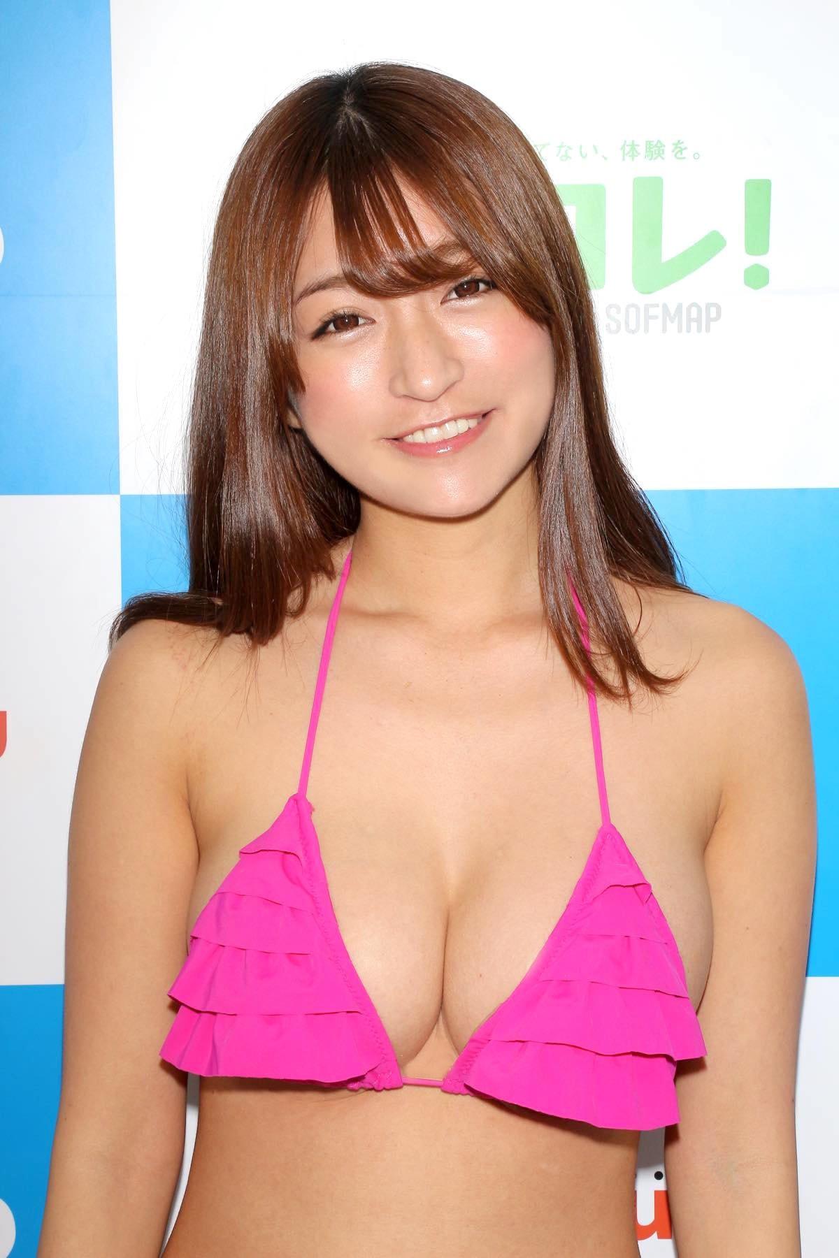 ☆HOSHINO「シャツがどんどん透けちゃう」エプロンはほぼ裸!【写真35枚】の画像008