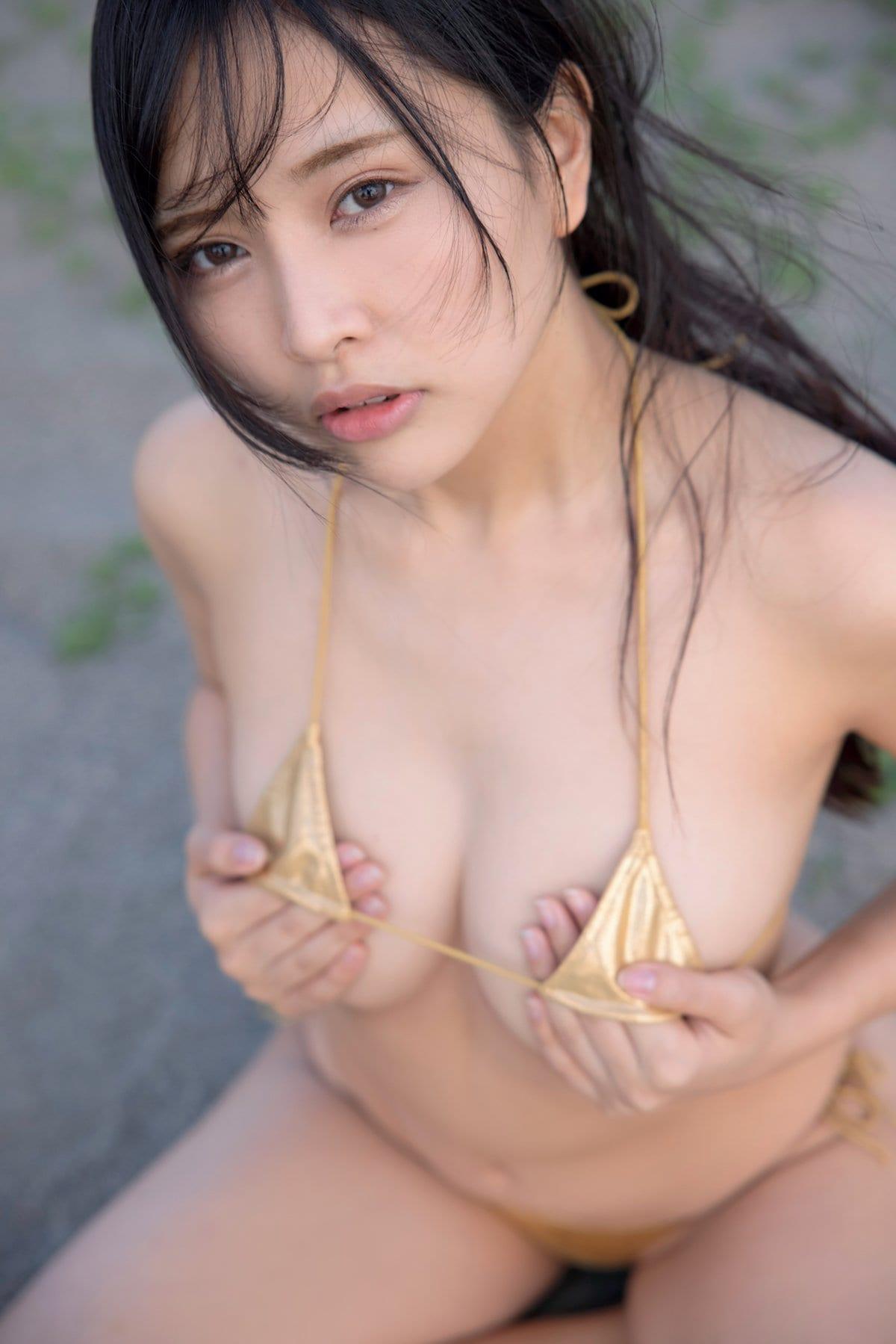 橋本ひかり「ヒモはいらないの」手ブラで露出度の限界に挑戦【画像9枚】の画像004