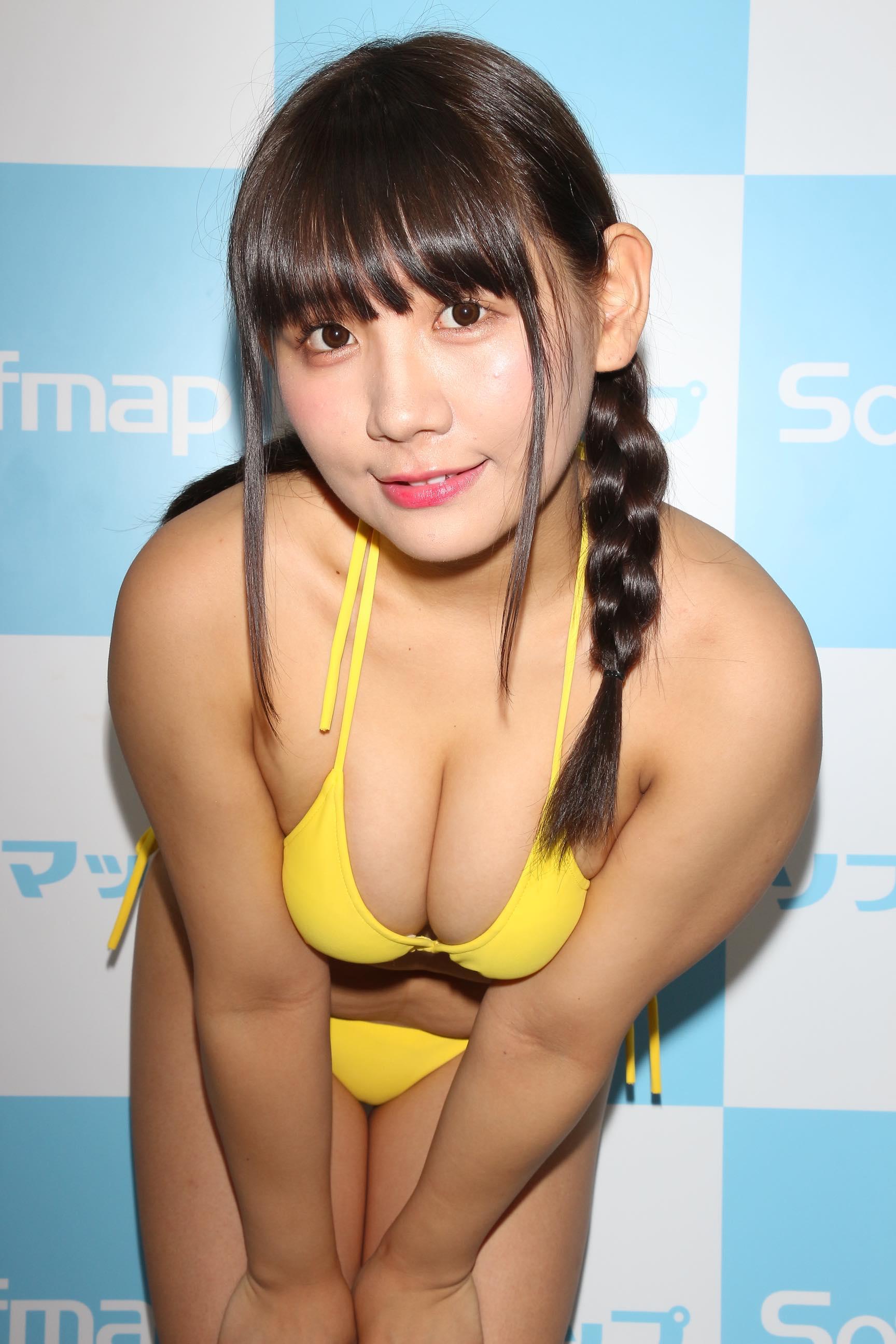 椿理穂「どのシーンも大胆」セクシーな水着に挑戦!【写真40枚】の画像026