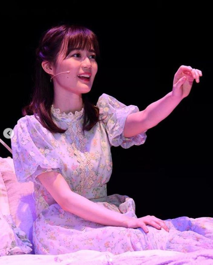 生田絵梨花「ミュージカルの舞台写真」に10万いいね超えの反響【写真3枚】の画像