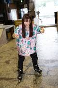 米田みいな「初めてのインラインスケートでなぜかにゃんこスターのモノマネ!?」【写真37枚】【連載】ラストアイドルのすっぴん!vol.21の画像033