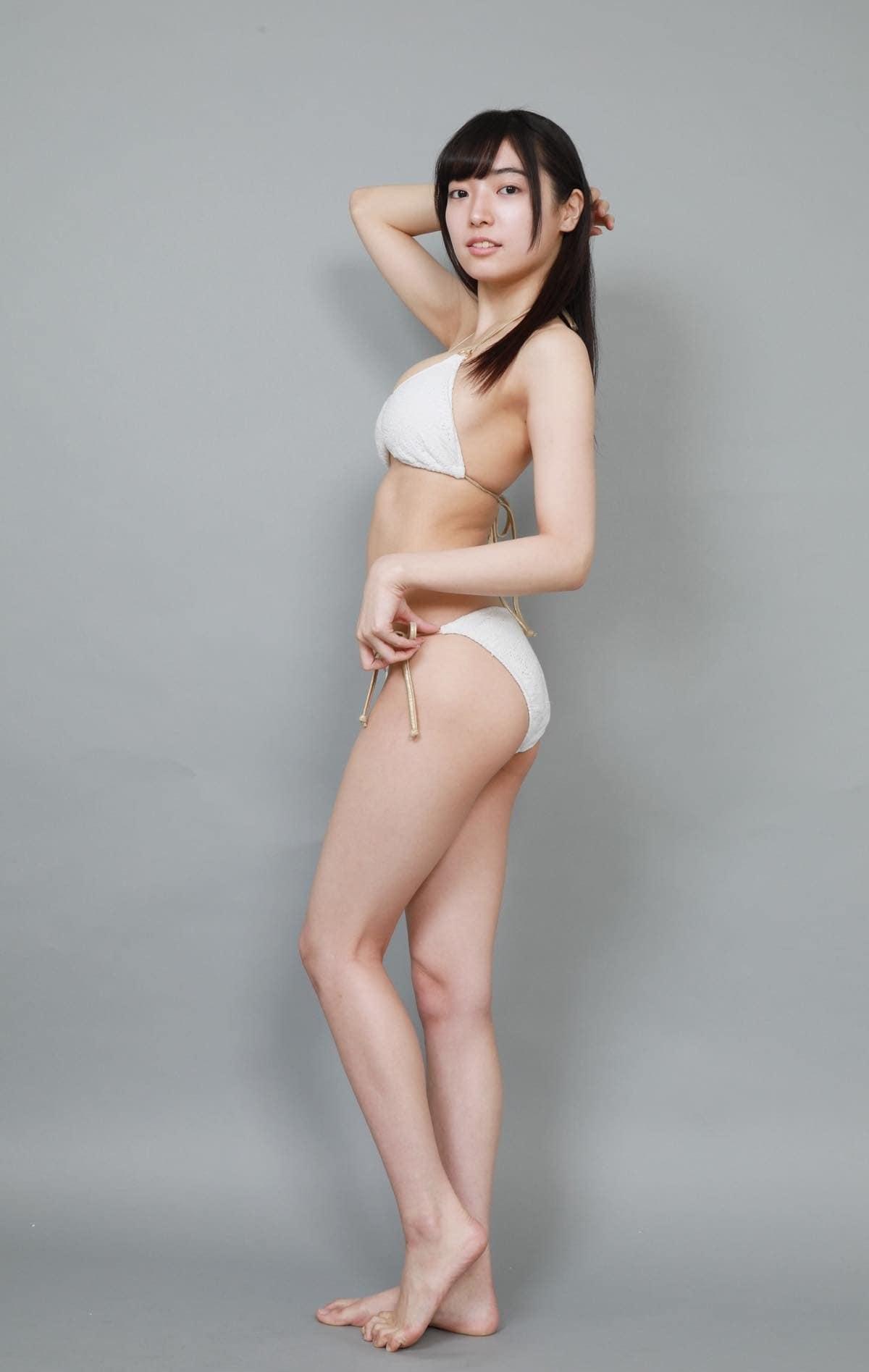 桜田愛音のグラビア水着ビキニ画像0007