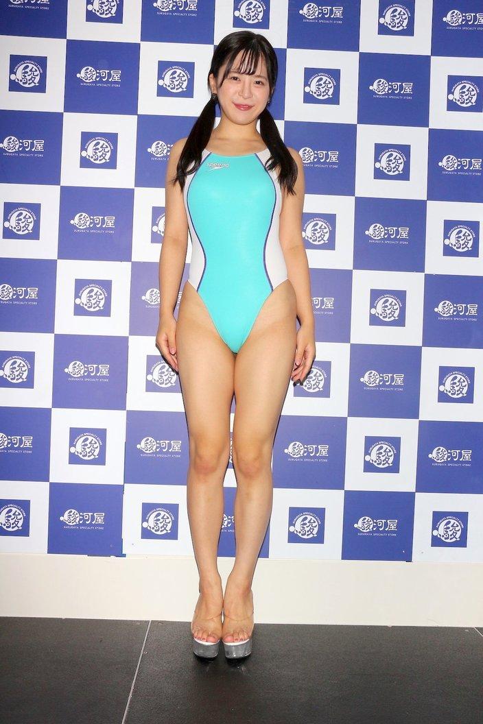 松田つかさ「結構ハイレグだなって」初の競泳水着にドキドキ【画像70枚】の画像