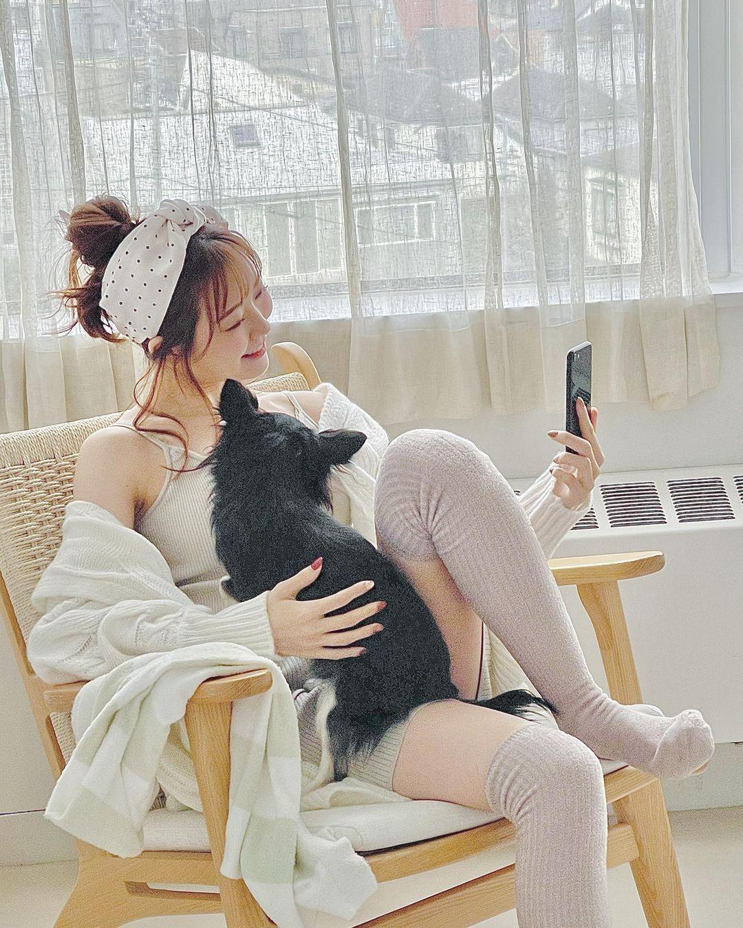 元NMB48渡辺美優紀「清潔感あるインナーウェア姿…」雑誌掲載のオフショットを披露にファン歓喜【画像5枚】の画像002