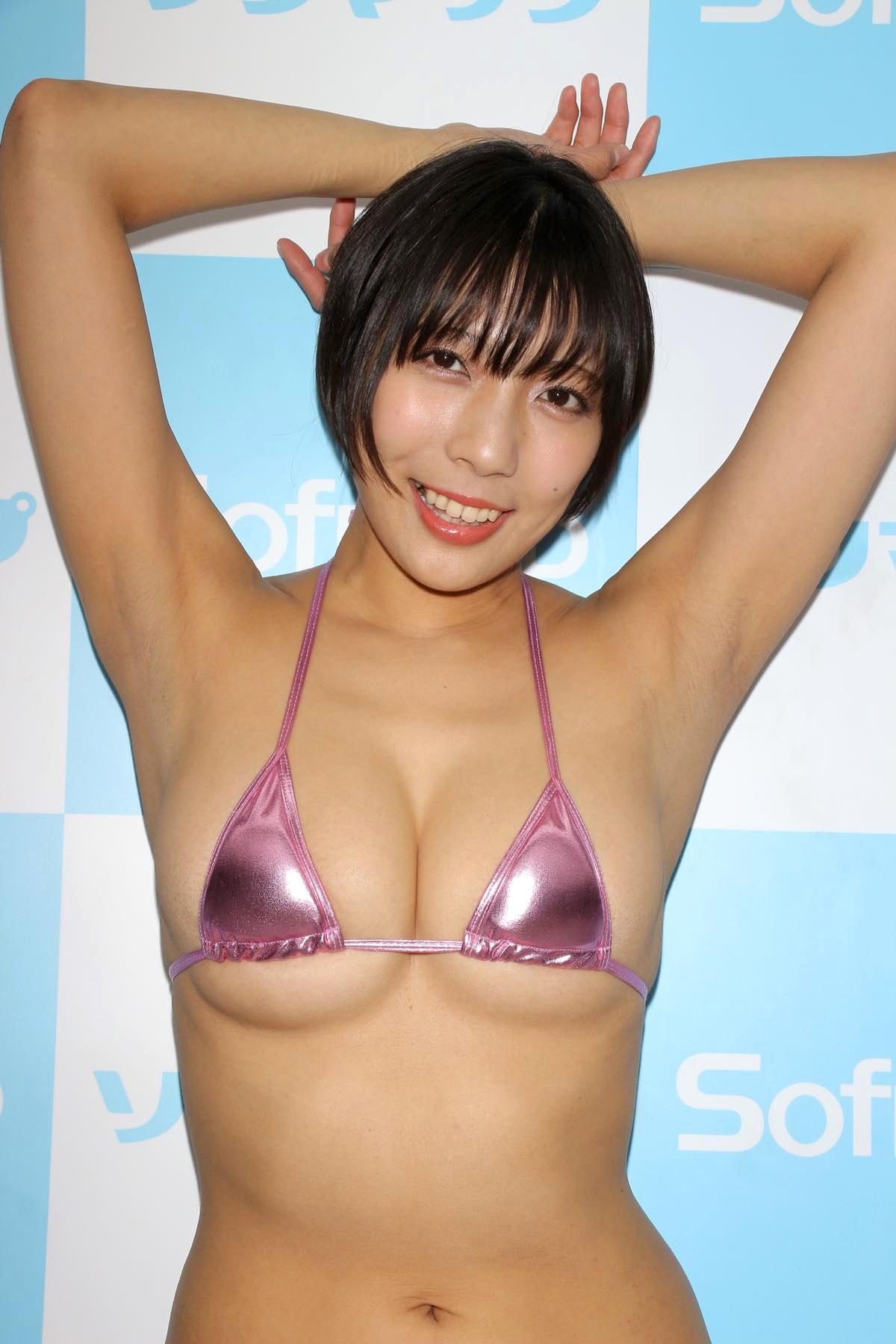 麻倉まりなのグラビア水着ビキニ画像012