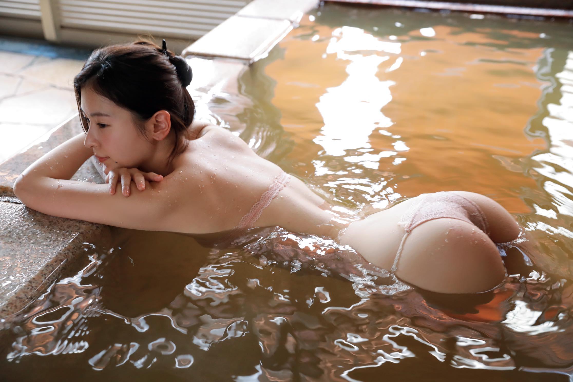 和久井雅子「平成最後の愛人」は色気が溢れすぎる!【写真11枚】の画像009