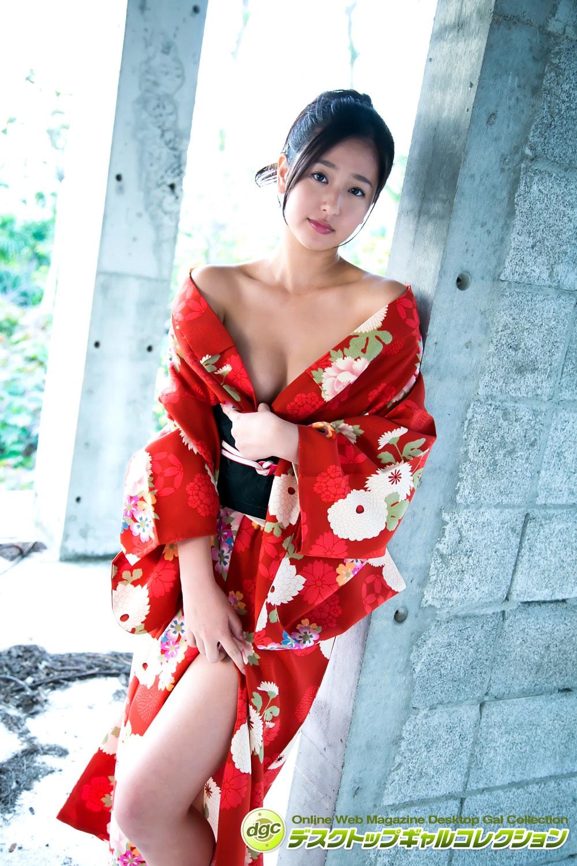 村上友梨の水着ビキニ画像5