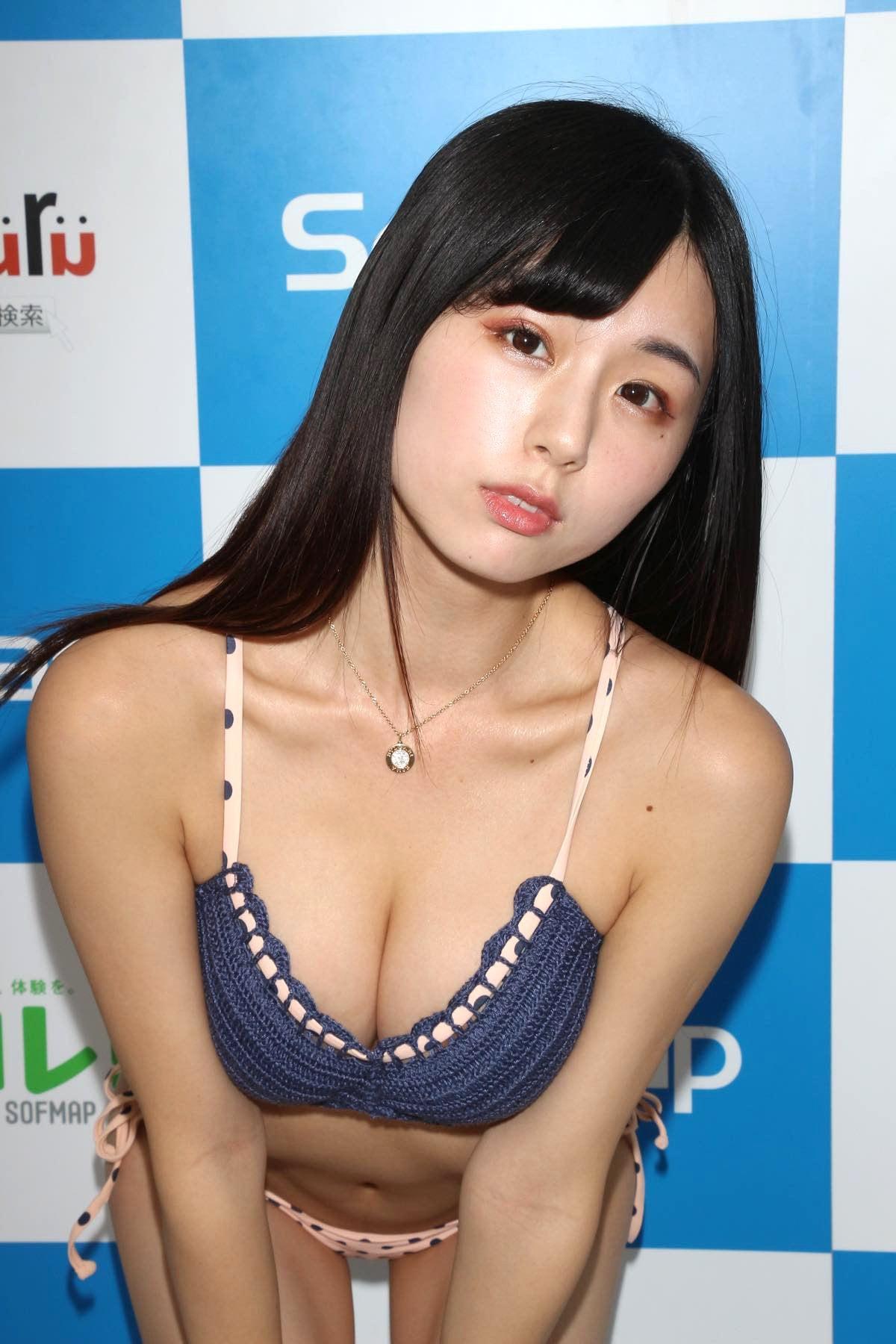 くりえみの水着画像20