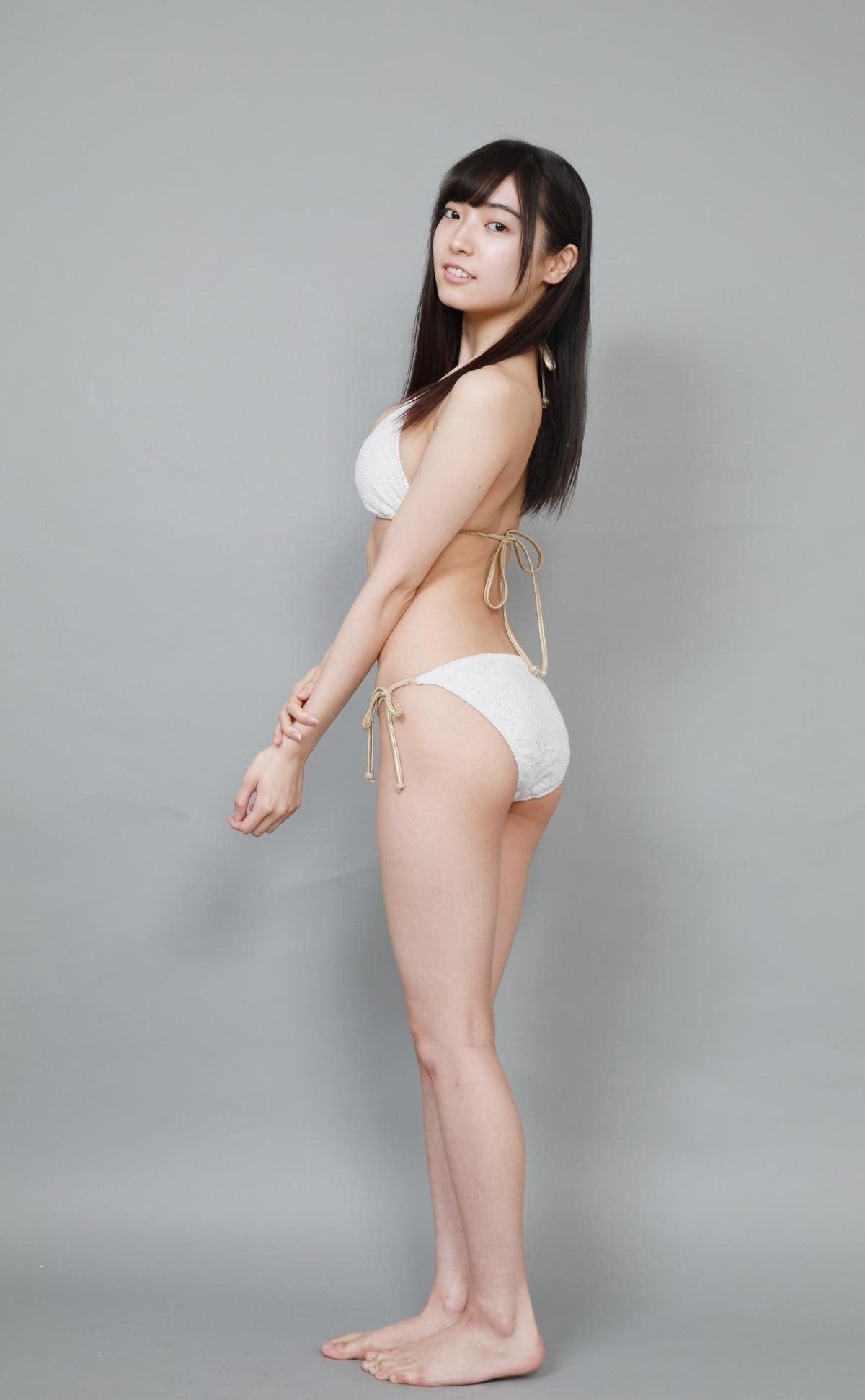 桜田愛音のグラビア水着ビキニ画像0006
