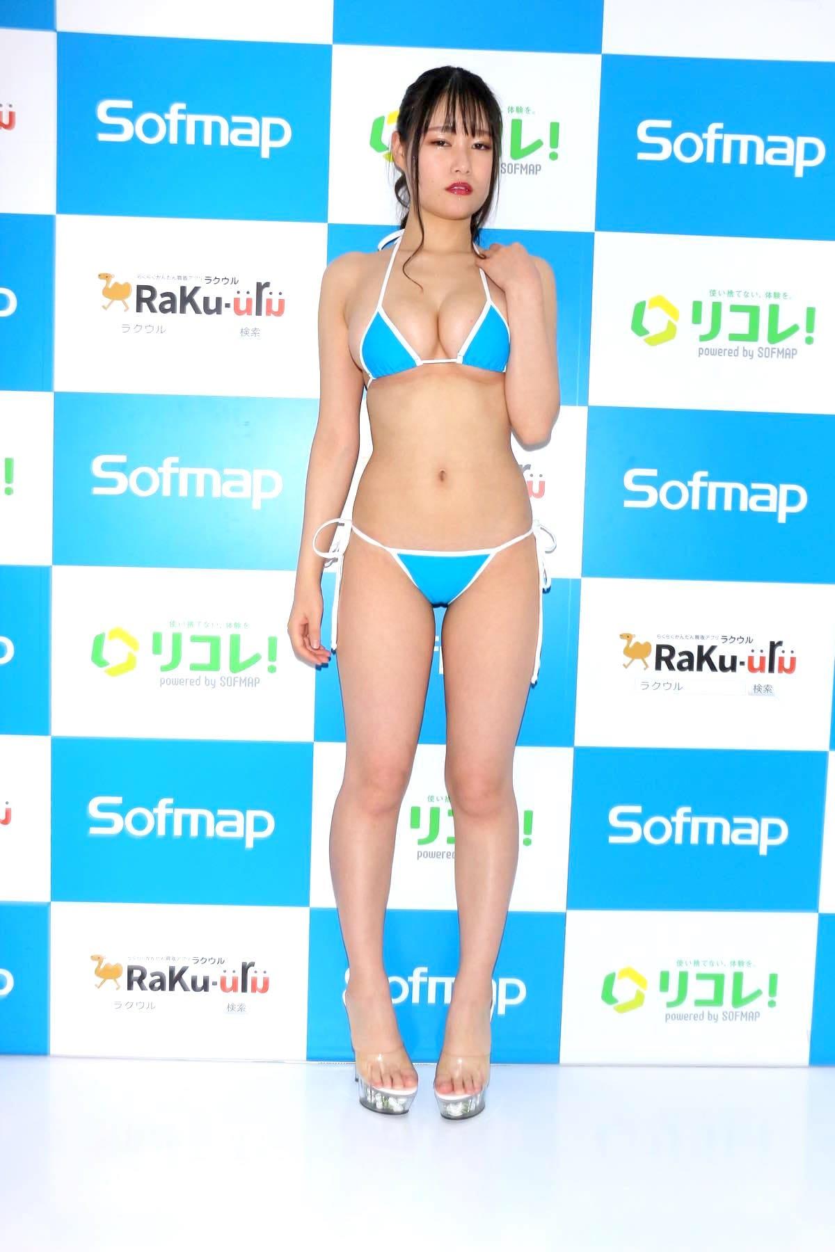 東坂みゆ「ロケット爆乳」がダンスで揺れて弾ける!【写真42枚】の画像003