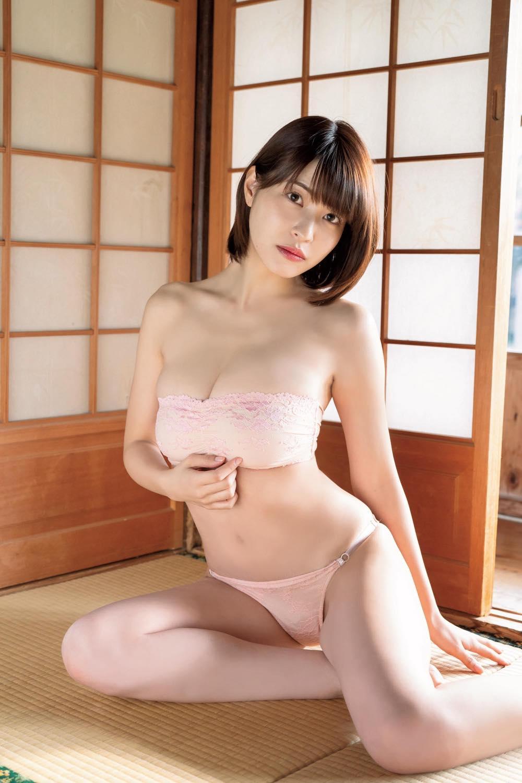 岸明日香「ほろ酔いピンク肌」はセクシー度倍増し!【写真10枚】の画像002